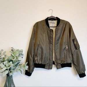 🎉PRICE DROP🎉 Zara Basic Green Bomber Jacket